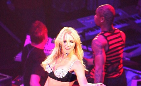 Britney Loses Toxins, 10 Pounds, Brown Eyes in Rehab