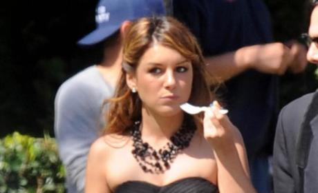 Spotted: Shenae Grimes... Eating!