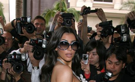 Kim Kardashian Kozies Up to the Kamera