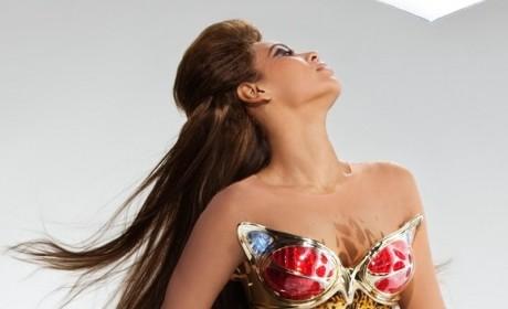 Jennifer Hudson Wins, Sings at Oscars; Beyonce Bites Tongue
