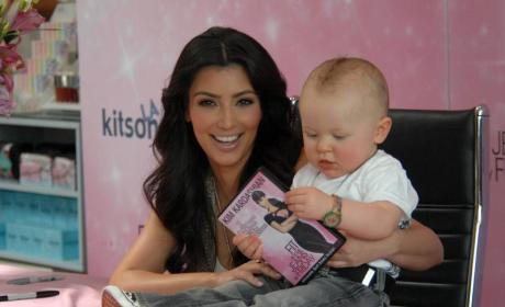 Kim Kardashian Kovers DVD, Katers to Fans, Klutches Baby at Autograph Signing