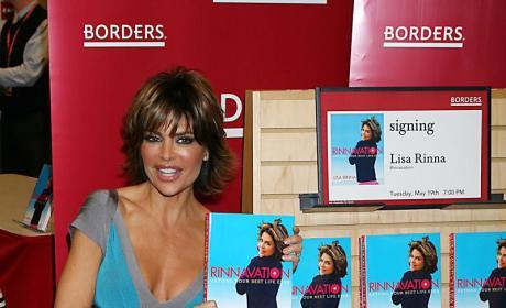 Lisa Rinna, Fake Body Parts, Promote Lame Book