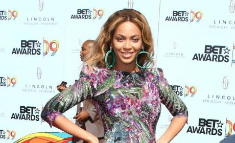 BET Awards Fashion Face-Off: Beyonce vs. Tyra Banks
