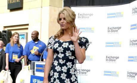Jessica Simpson Supports Tony Romo, Cleavage