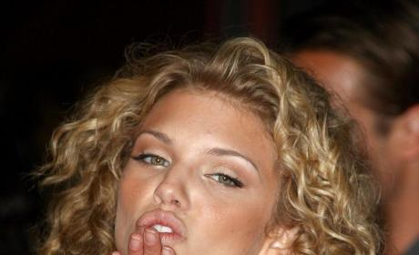 AnnaLynne McCord Wants Off 90210