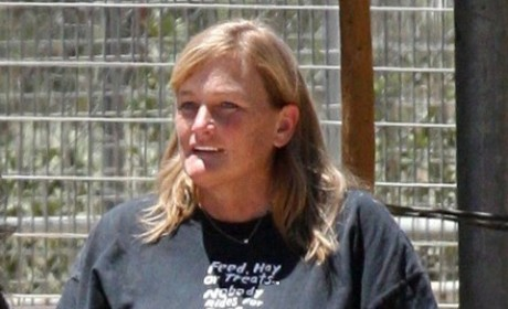 Debbie Rowe Reportedly Offered Deal to Give Up Custody