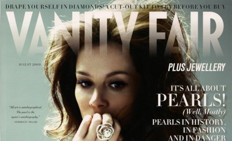 Anna Friel: Topless, Beautiful in Vanity Fair