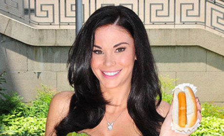 Jayde Nicole, Nude, Makes Friends with Salad For PETA