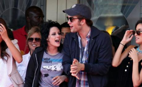 Robert Pattinson and Kristen Stewart Enjoy Secret Rendezvous, Sleep Over