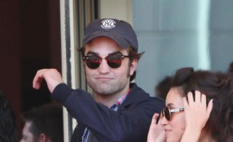 Robert Pattinson: Edward Cullen is a Weird Axe Murderer!