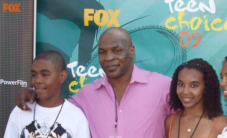 Teen Choice Awards Fashion Face-Off: Levi Johnston vs. Mike Tyson