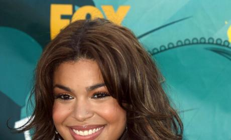 Jordin Sparks Joins The Circus