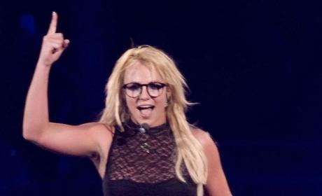 Britney Spears Enjoys Badly-Needed Long Weekend