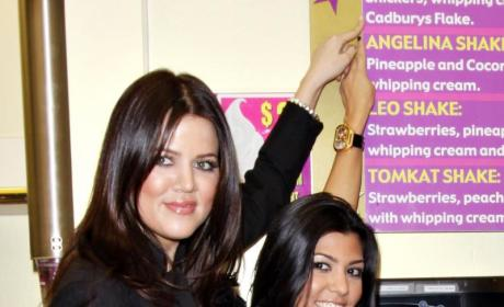 Khloe Kardashian Konfirms: Kopious Kourtney Kardashian Pregnancy Koverage to Kome!