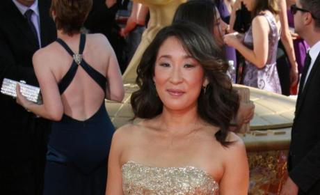 Emmy Awards Fashion Face-Off: Sandra Oh vs. Kate Walsh