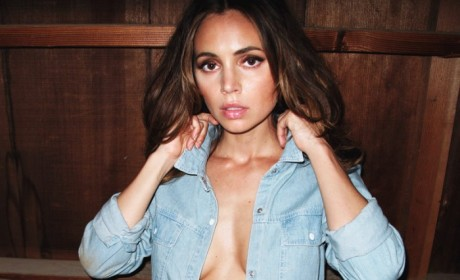 Hot Eliza Dushku Picture