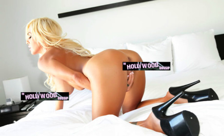 Shauna Sand in Position