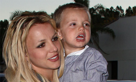 Britney Spears Continues to Lower Fashion Standards