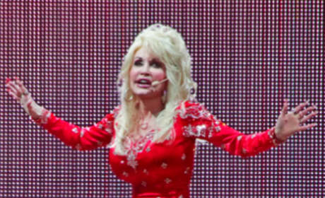 Jessica Simpson, Dolly Parton Bond Over Huge Breasts