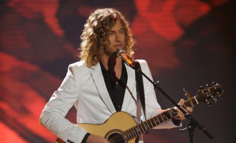 American Idol Report: Jessica Alba Stops By