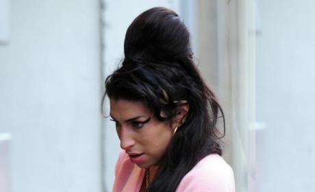 """Amy Winehouse Hospitalized with """"Chest Pains"""""""