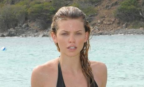 War of the Waifs: AnnaLynne McCord vs. Shenae Grimes!