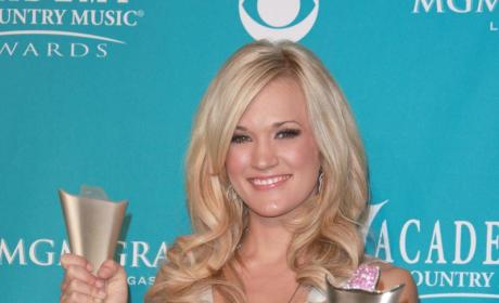 Carrie Underwood Cleans Up at Country Music Awards