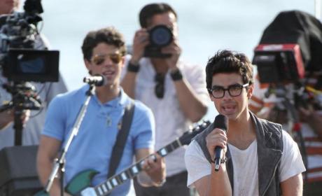 Joe Jonas Sings