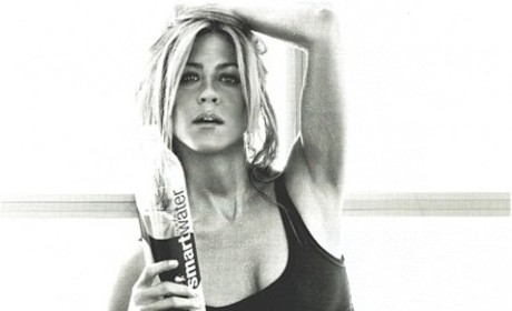 Jennifer Aniston: Smart Water Sexy