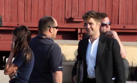 Breaking, False News: Kristen Stewart Dumps Robert Pattinson!