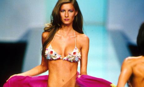 Gisele Bundchen in a Bikini: Yup, Still Gorgeous!