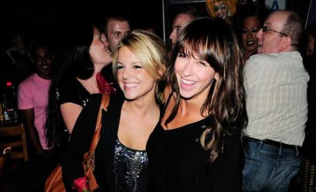 Who would you rather: Ali Fedotowsky or Jennifer Love Hewitt?