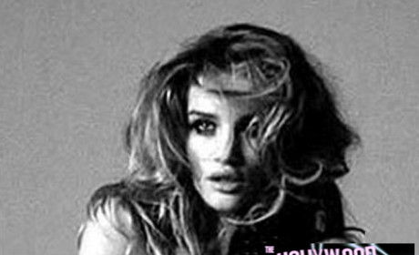 Rosie Huntington-Whiteley Nude Picture