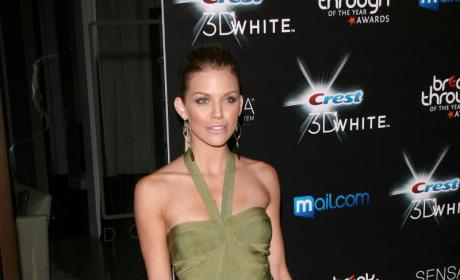 Fashion Face-Off: AnnaLynne McCord vs. Kelly Brook