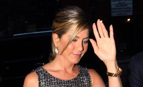 Jennifer Aniston is NOT Engaged to Vince Vaughn