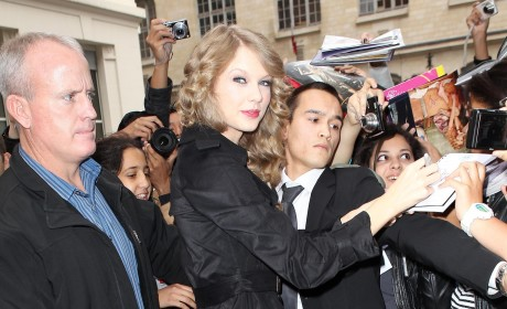 Former Manager Sues Taylor Swift for Breach of Contract