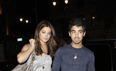Joe Jonas and Ashley Greene at Katsuya: Cocktails & Kisses!