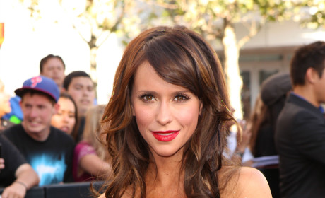 Jennifer Love Hewitt: My Body is a Wonderland!