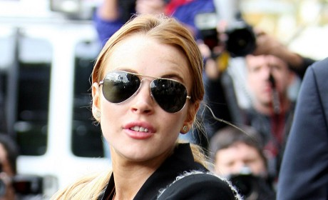 Lindsay Lohan Sex Tape: Just a Facebook Hoax!