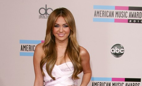 Miley Cyrus Previews Final Season of Hannah Montana