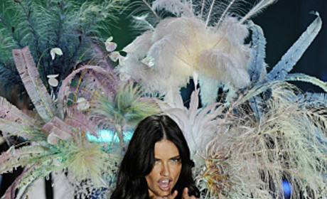 Victoria's Secret Fashion Show-Down: Adriana Lima vs. Alessandra Ambrosio