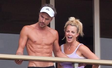 Britney Spears, Jason Trawick Shirtless