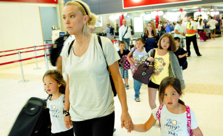 Kate Gosselin, Tired Kids Go Down Under
