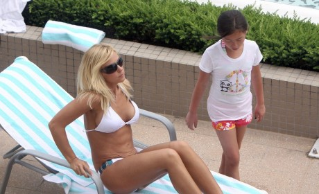 Kate Gosselin Bikini Photo: Hot or Not?