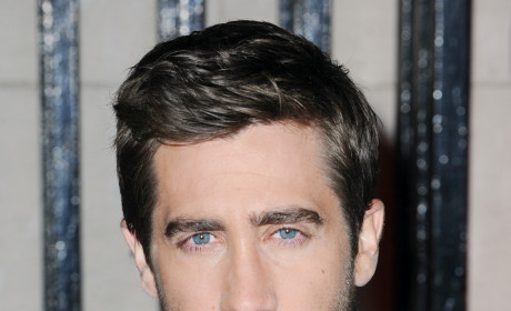 Jake Gyllenhaal Shines On Movie Premiere Night