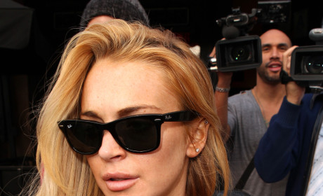 Lindsay Lohan Calls 911 on Shady Photographer
