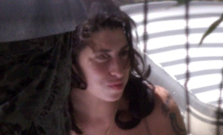 Gasp: Amy Winehouse Back in the Hospital