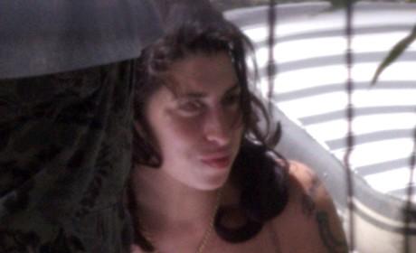 Winehouse Cleavage