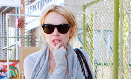Lindsay Lohan Necklace Heist Excuse: They Let Me Take it On Loan!