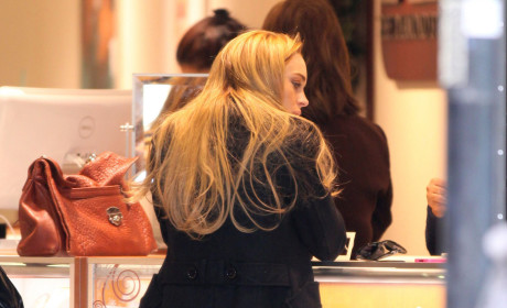 Glimmer of Hope: Jewelry Store Surveillance Tape Backs Up Lindsay Lohan Story